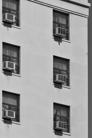 window air conditioners in apartment building windows